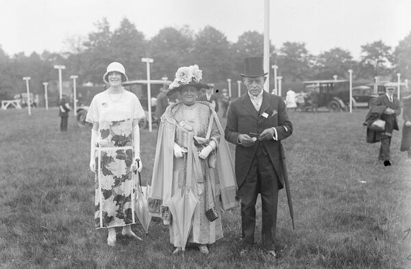 Ascot.  General Sir Archibald Hunter, Lady Hunter and Margaret Cecil.  17 June 1924