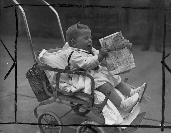 At the baby show is organised in Lambeth, London, today, Saturday, 8 months old Rodney Hunter of Lansdowne Way, Lambeth, took a fancy to the newspaper.  7 September 1946 History of London - Vauxhall / Lambeth