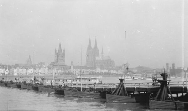 Cologne, Bridge of boats