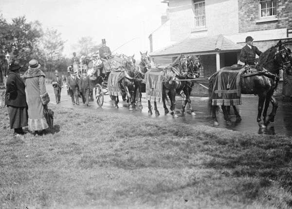 Funeral of a Romany King .  Gipsies from all over the country attended the funeral at Farnborough, Kent, of Levi Boswell, the head of the Boswell tribe of Romanies who have relatives in all parts of the world