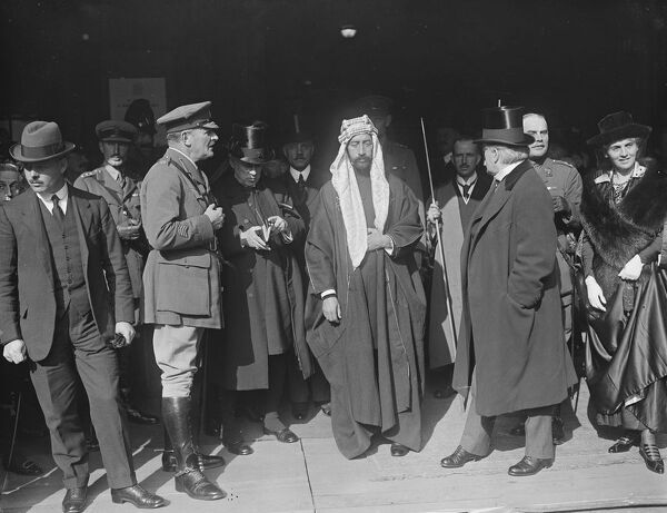 At the Guildhall, London ; Lord Allenby, Emir Faisal, Mr Lloyd George and Lady Allenby.  7 October 1919