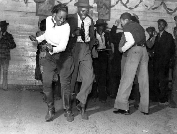 Juke Joint outside Clarksdale, Missouri November 1939 dance / dancing / party season / celebration / happy vintage news archive