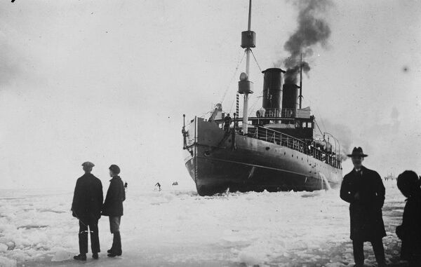 King Winter comes to Finland.   A picture showing the Finnish ice breaker ' Tarmo ' at work near Hango.  8 December 1926