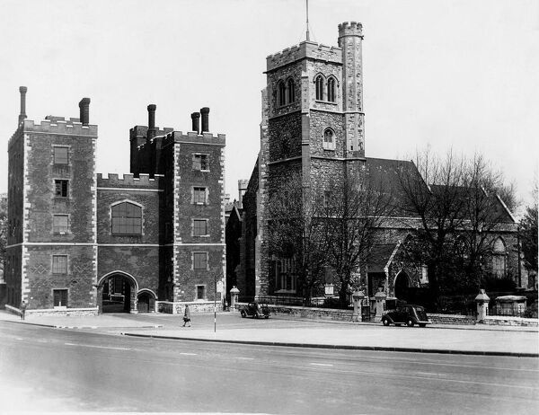 Lambeth Parish Church and entrance to Lambeth Palace.  July 1942 History of London - Vauxhall / Lambeth