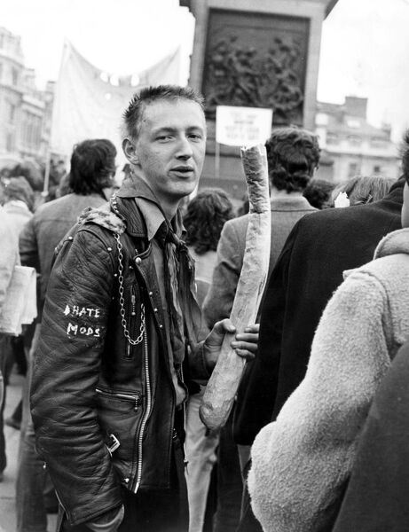 "National Characters - Rocker in Trafalgar Square , London "" I hate Mods !"" fashion, punks / punk vintage stills library archive British cliche 1970s 70s"