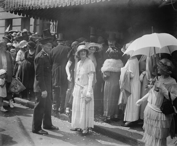 Notable Jewish Wedding  Miss Peggy Lewis and Mr R H Jessel were married at the Upper Berkley Street Synagogue  Lady Clancarty leaving the synagogue  5 July 1923