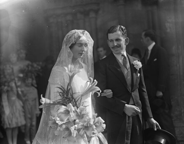 The Salisbury Cathedral wedding of Viscount Hambleden and Lady Patricia Herbert.  26 September 1928