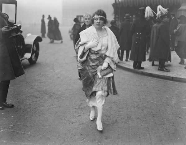 State Opening of Parliament.  Mrs Hamilton Wedderburn arriving.  13 February 1923