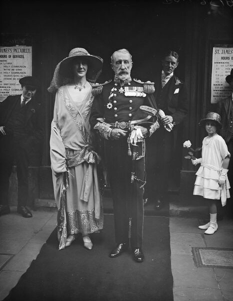 A Vice Admiral 's A T Hunt, C B, Cs I, and Miss Dorothy Waller, were married at St James Church, Piccadilly  20 May 1924