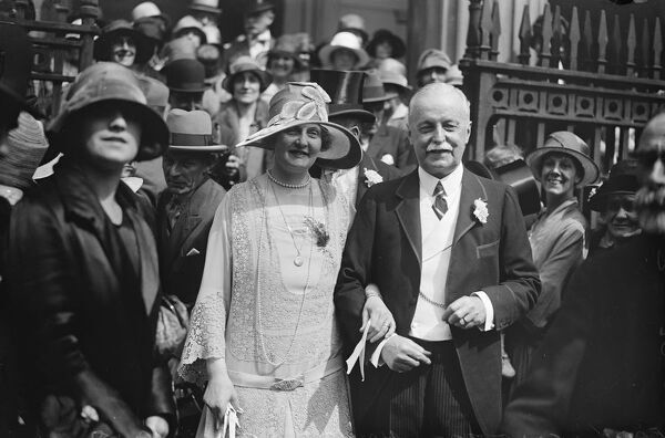 Wedding.  Earl Howe was married to Mrs Quinton Dick at St Mark ' s, North Audley street.  Bride and bridegroom.  4 August 1927
