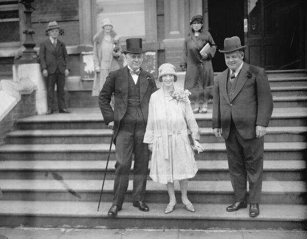 Wedding.  Mr Harry Weldon was married at Hampstead Register Office to Miss Hilda Glyder.  Bride and bridegroom. Mr Charles Gulliver is on left.  15 June 1926