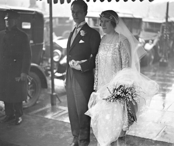 Wedding of Mr Sylvester Gates and Miss Nancy Tennant at St Margaret 's Church, Westminster.  16 February 1928