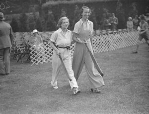 Authors versus actresses cricket at Hampstead Cricket Club Miss Margery Binner
