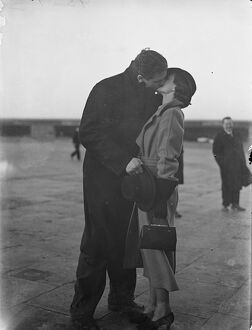 Ben Foord arrives home by air from Hamburg, welcomed by his wife