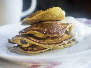 Breakfast pancakes made with a batter of a banana, two eggs, and 2 tablespoons of