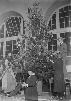 Buckingham Palace Christmas tree for wounded men On left is Miss Marta Cunningham