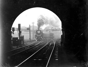 Cock o' the North approaching a tunnel 1934