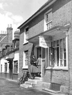 Coffee Luncheons Teas Elevenses at a tea room in Wokingham August 1942
