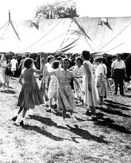 A display of country dancing by the 1st Meopham Girl Guides - A Newcastle Reel