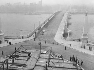 Erecting stands and Royal Enclosure for new Lambeth Bridge opening by King