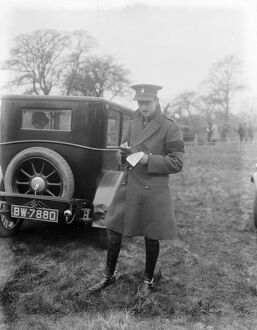 Garth hunt point to point races at Newlands, Arborfield. Lord Grenfell. 1 April 1925