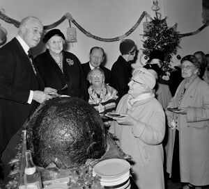 GIANT CHRISTMAS PUDDING PRESENTED BY LORD MAYOR OF LONDON ALDEMAN CLEMENT JAMES HARMAN