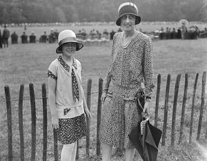 Goodwood week polo tournament at Cowdray Park. Hon Daphne Pearson and Viscountess