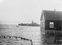 Great floods in Holland, The Isle of Marken has been totally inundated by the waves