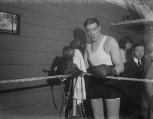 Heavy weight title, Lonsdale belt and cup at stake. Pettifer with a monkey which
