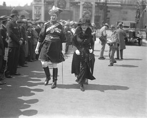 Investiture at Buckingham Palace. Major Boyle, DSO, Indian Army. 10 July 1922