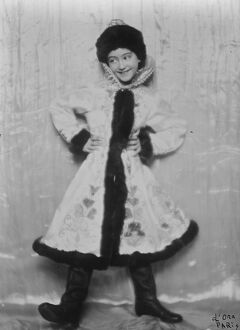Keeping in memory the picturesque costumes of pre war Russia. Entertainer in Paris