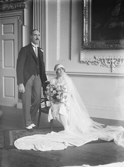 Lady Mayoress 's wedding. Miss E Pryke and Mr C Turner were married in St Paul