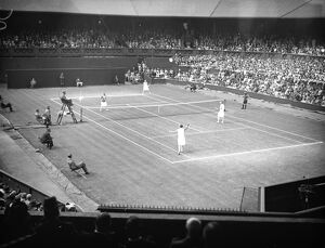 Lawn tennis championships at Wimbledon. A general view during the game between Miss E Ryan