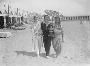 On the Lido Miss Dora Kaiser Rosenauer, Miss Margaret Wolfe, Mrs Max Bernheim 1927