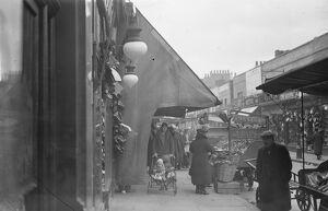 London - The Typical Street Market scene , Lambeth Street History of London - Vauxhall