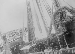 1920s/ocean/making port christmas weather frost snow combined