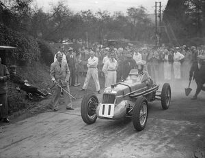 Miss Doreen Evans at the start in her MG. 28 September 1935