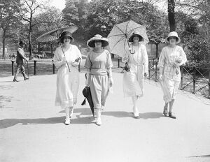 Miss Lawson, Miss Hay, Hon Mrs John Fullerton and Miss Victoria Lloyd 22 May 1922