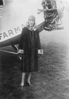 1920s/air flying machines/mme lena bernstein french woman aviator breaking