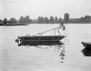 1920s/ocean/mystery craft thames strange looking craft known