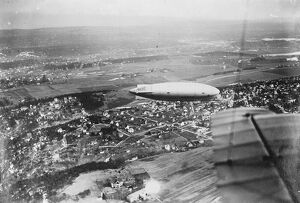 The North Pole airship over Oslo. The ' Norge ' airship photographed