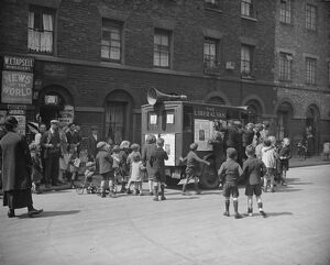 Polling day in Lambeth The Liberal Loud Speaking Van 30 May 1929 History of London