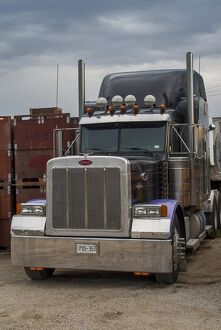 Portrait of a peterbilt 6x4 semi tractor unit. Note ; Check-out those wheel nuts