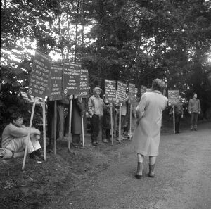 President Kennedys visit - protesters outside Birch Grove, Chelwood Gate 8 months