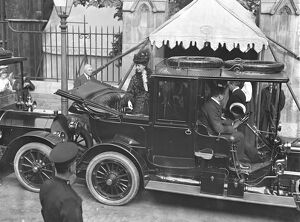 Queen Alexandra leaving Southwark Cathedral after unveiling the statue of King Edward