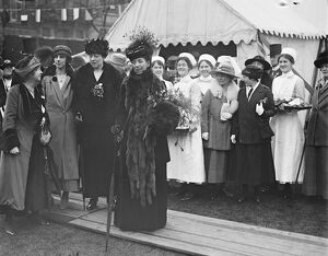 Queen Alexandra visits Devonshire house Queen Alexandra and Princess Victoria with