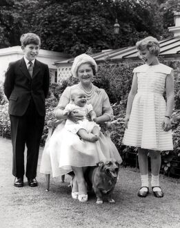 Queen Elizabeth, Queen Mother photographed with her grandchildren on her 60th birthday