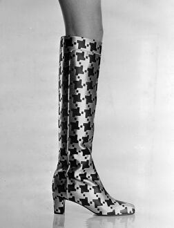 Roger Vivier shoe fashion High shoe fashion created for autumn / winter, 1966 by