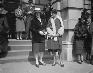 Royal Academy private view. Mrs Laura Knight RA and Miss Parry Cohen. 3 May 1929