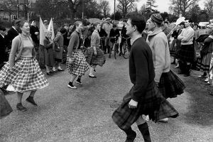 Scottish Country Dancing during the Aldermaston anti-nuclear march dance / dancing